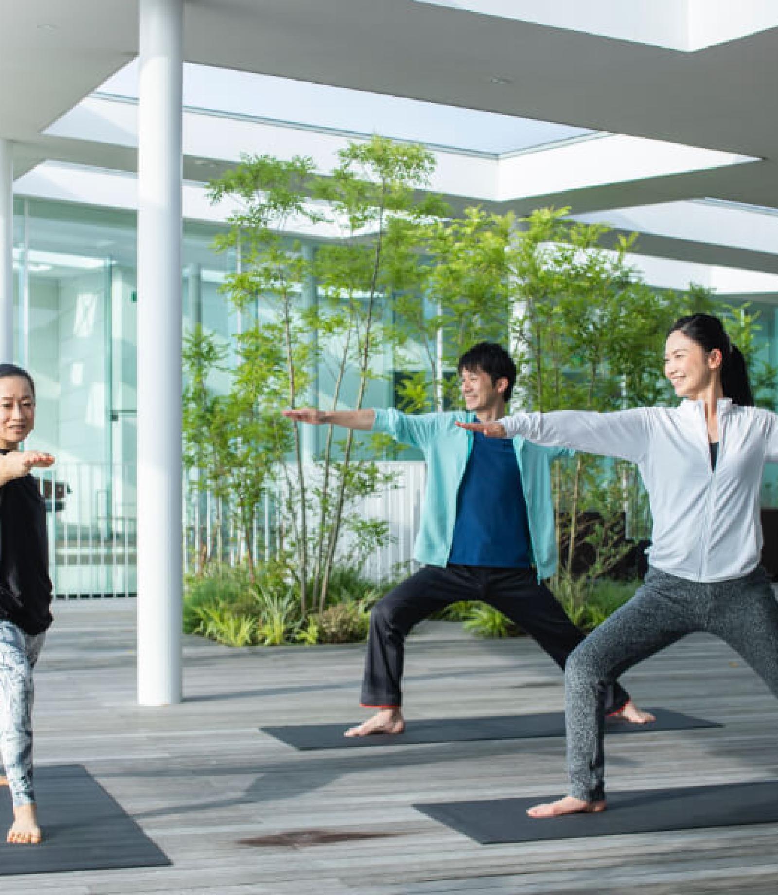 テラスで瞑想 morning YOGA session