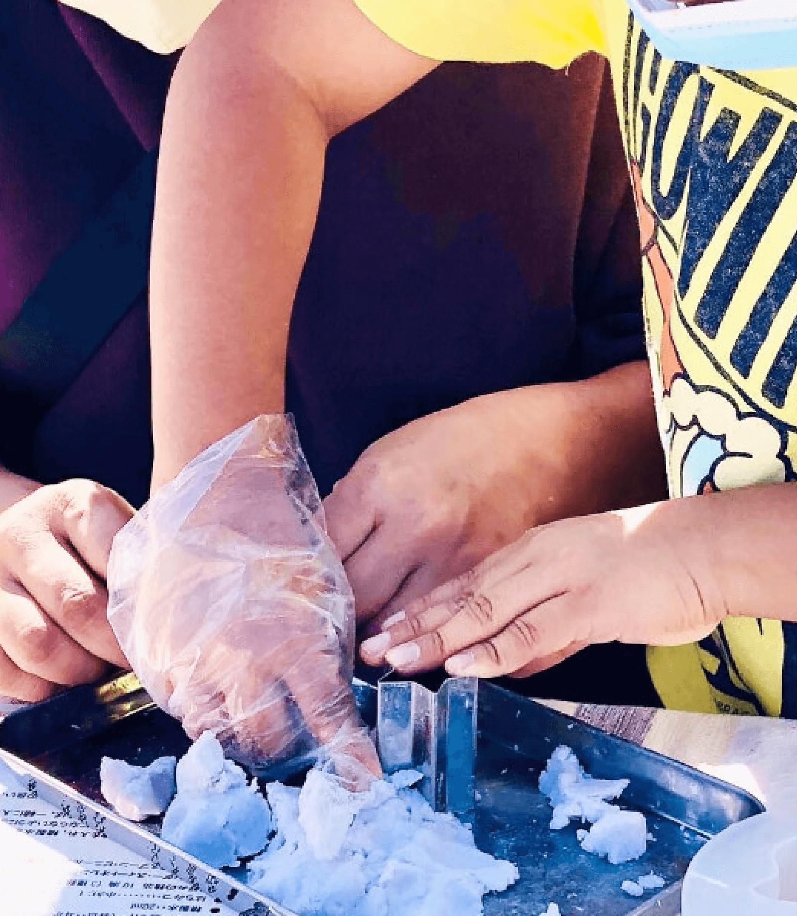 【アロマハンドメイド】ハーブ入りアロマ練り石けん作り
